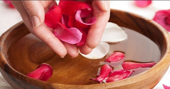 benefits of using rose water for skin and health