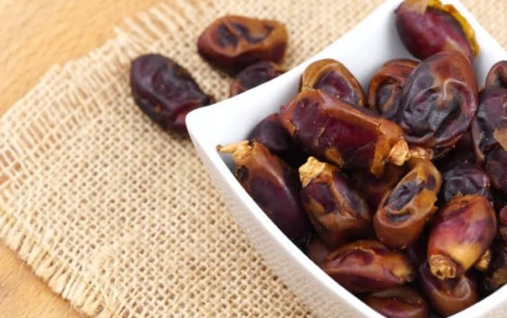 Health Benefits of Dates (Khajoor)