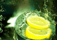 Natural Health Benefits of Lemon And Drinking Lemon Water