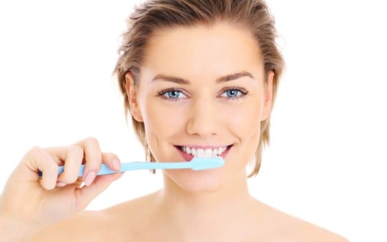 how to get white shining strong teeth naturally