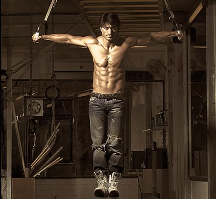 gym workout of vidyut jamwal