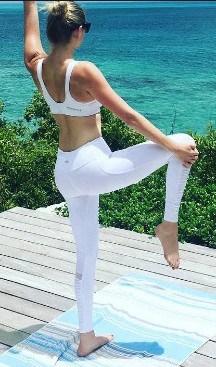 Kate Upton yoga