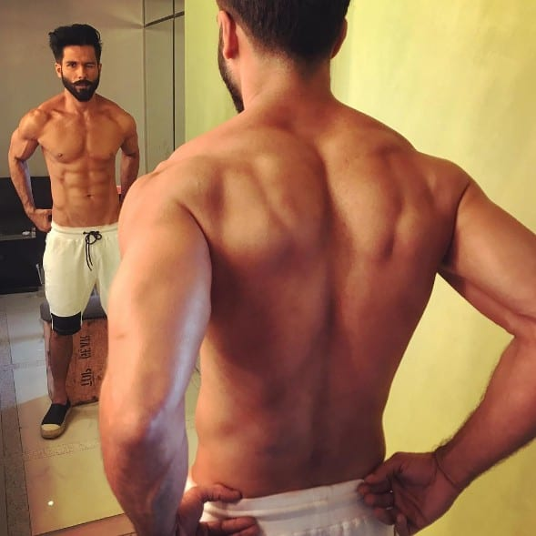 Shahid Kapoor six pack abs