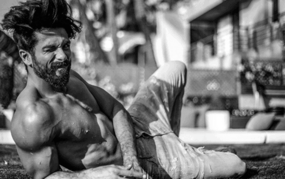 shahid kapoor muscular shirtless body