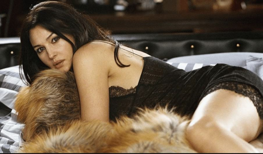 sexy hot Monica Bellucci beauty