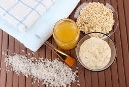 home-made products: oatmeal scrub