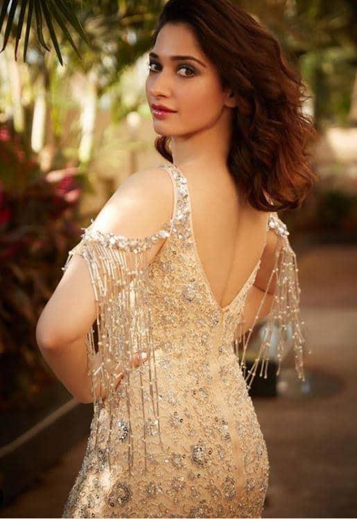sexy tamannaah bhatia body stats